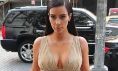Η Kim Kardashian κάνει μακιγιάζ στο σώμα - Πρέπει να το δεις!