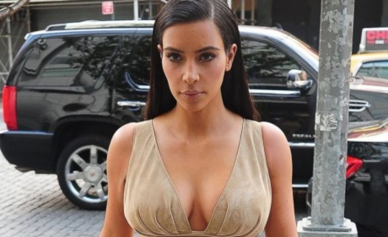 Η Kim Kardashian κάνει μακιγιάζ στο σώμα – Πρέπει να το δεις!