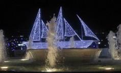 Φωταγώγηση του Χριστουγεννιάτικου Καραβιού στην Πλατεία Ελευθερίας.