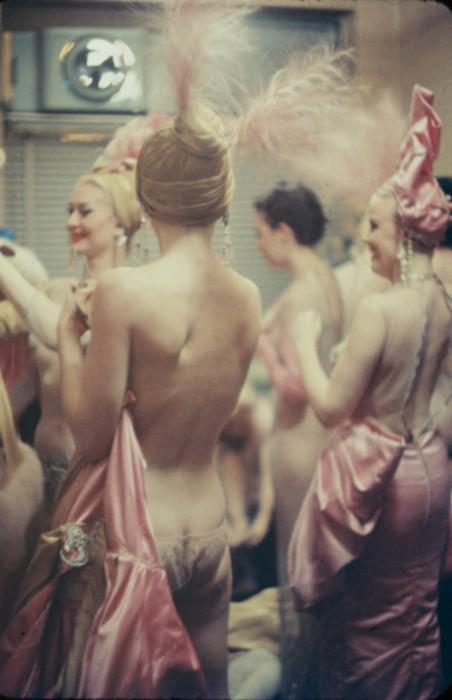 gordon-parks-showgirls-03
