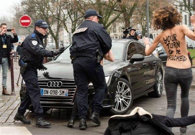 FemenStraussKahn3sk