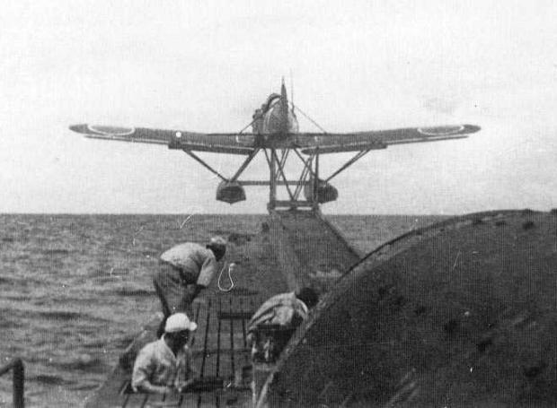Nobuo_Fujita-seaplane