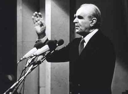 Konstantinos_Karamanlis-1980