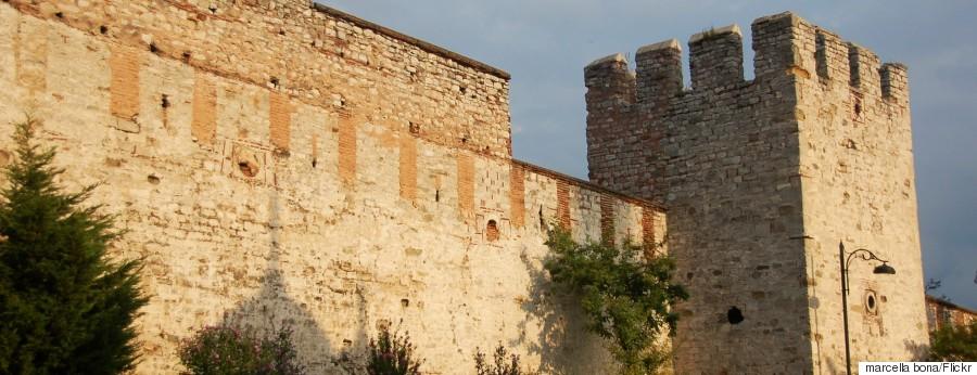 r-WALLS-ISTANBUL-huge (1)
