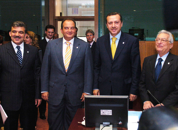 Karamanlis-Erdogan-koumparoi