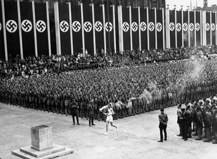 Olympic_flame-Berlin_1936