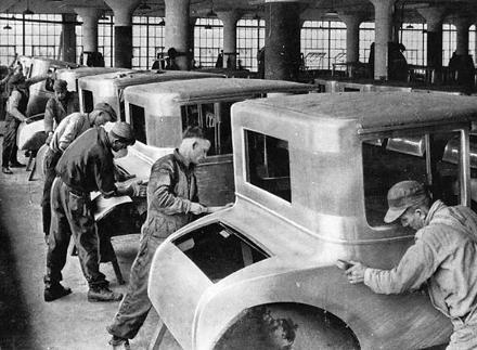Ford_assembly_line