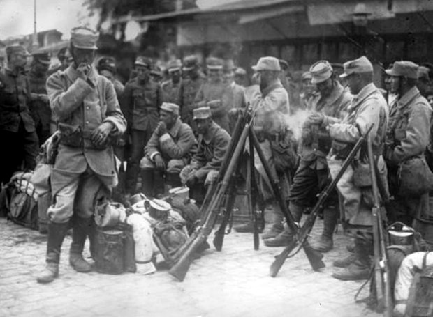 French_soldiers-Thessaloniki-1915