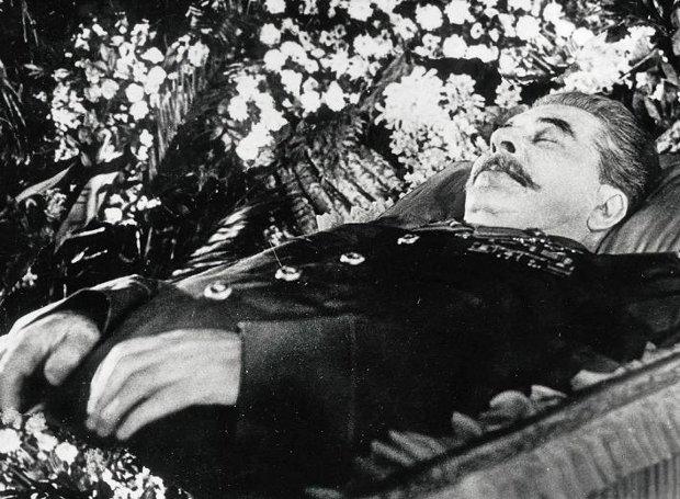 Stalin-dead