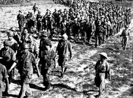 Vietnam-French_soldiers_surrender