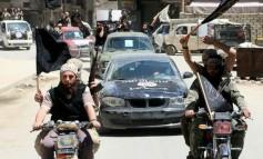 Μπαίνουν στη Ράκα οι συριακές δυνάμεις, εγκαταλείπουν οι τζιχαντιστές
