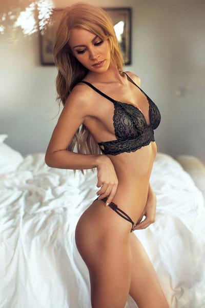 Bryana-Holly-3