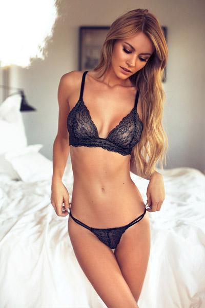 Bryana-Holly-7