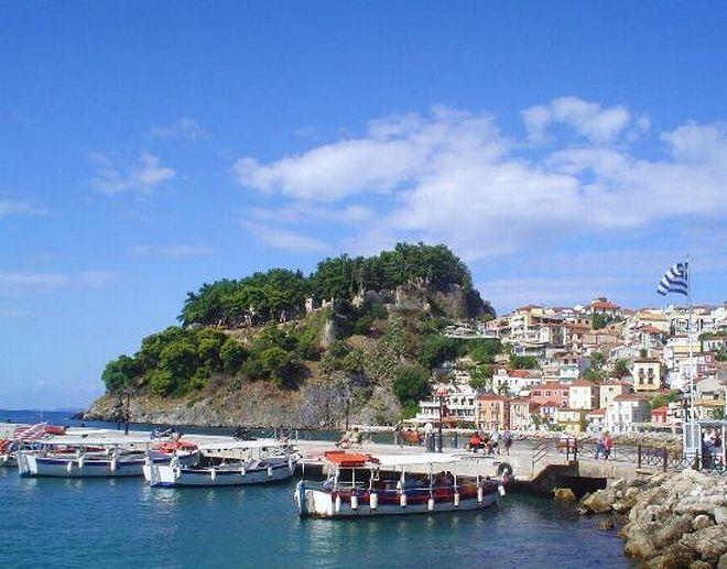 parga-castle-and-harbour