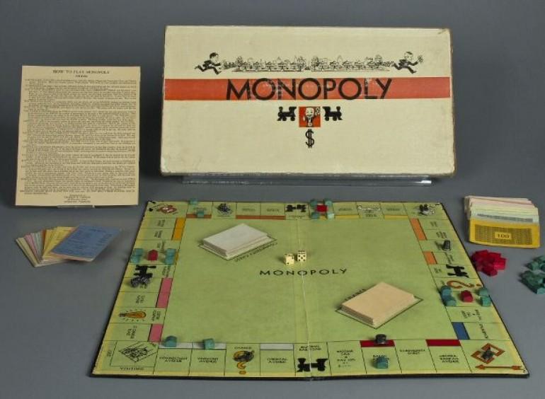 1935: Οι αδελφοί Πάρκερ κυκλοφορούν στην αγορά το επιτραπέζιο παιγνίδι «Monopoly»