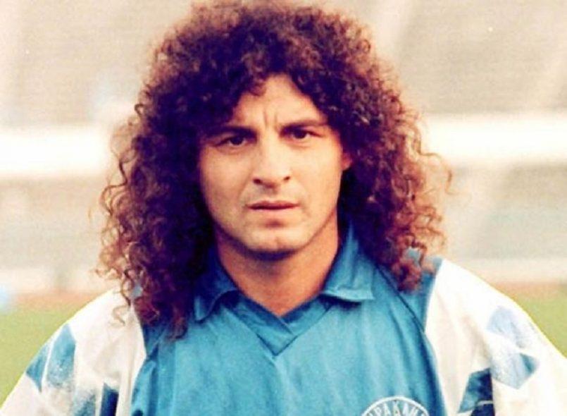 Ο Βασίλης Χατζηπαναγής κάνει το ντεμπούτο του στον αγώνα Ηρακλή – Ατρόμητου στη Βέροια. Θα αγωνιστεί στο ελληνικό πρωτάθλημα ποδοσφαίρου 281 φορές και θα πετύχει 61 γκολ