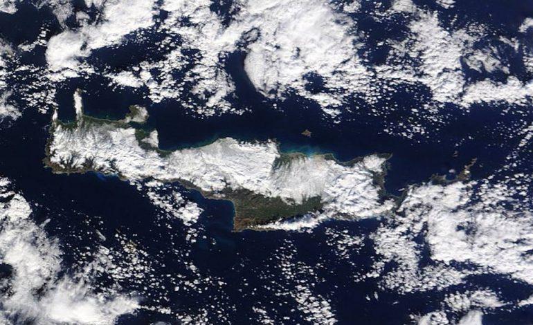 Εντυπωσιακές φώτο της χιονισμένης Κρήτης από το διάστημα