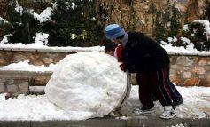 Τρεις νεκροί από το κρύο – Κλειστά σχολεία - Νέες χιονοπτώσεις