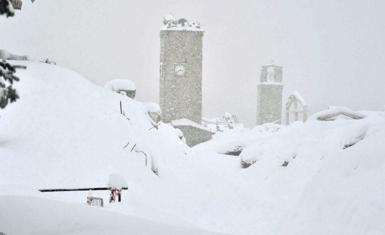 Χιονοστιβάδα πλάκωσε ξενοδοχείο στην Ιταλία - Στους 30 οι νεκροί