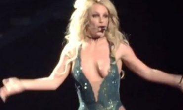 Φάνηκαν όλα σε συναυλία της Britney Spears