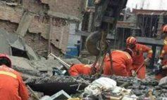 Επτά νεκροί μετά από κατάρρευση πολυκατοικίας