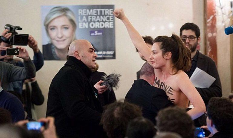 Γυμνόστηθη Femen διέκοψε ομιλία της Λεπέν