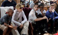Μητέρα ξανά στα 58 της χρόνια η Μαντόνα