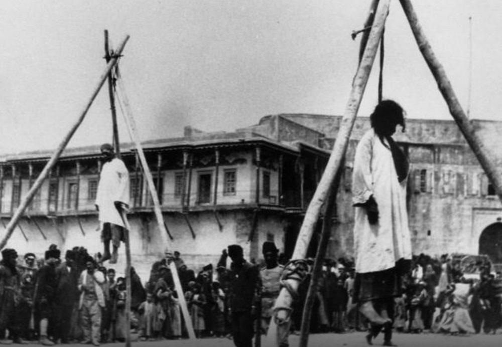 Οι Νεότουρκοι συλλαμβάνουν 200 εξέχοντες Αρμενίους της Κωνσταντινούπολης. Αρχή της γενοκτονίας των Αρμενίων, που στοίχισε τη ζωή σε 1,5 εκατομμύριο ανθρώπους ως το 1923.