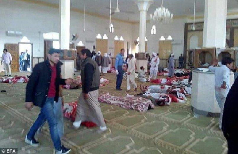 Εκατοντάδες νεκροί από βομβιστική επίθεση στην Αίγυπτο