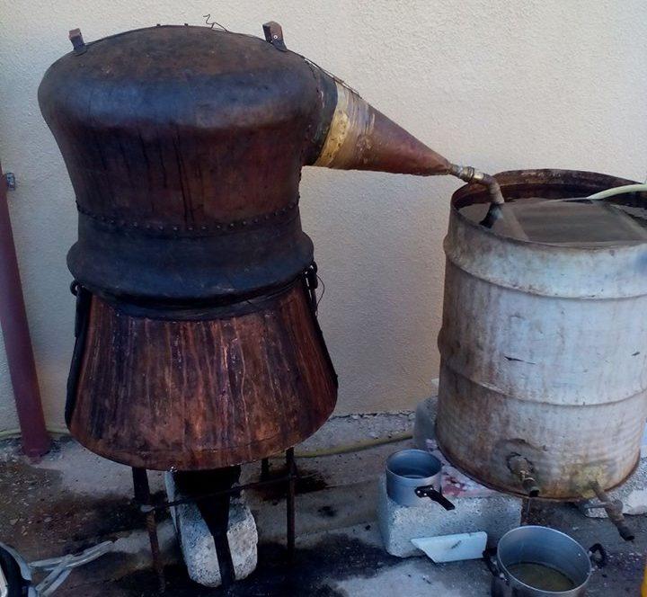 Ρακοκαζανέματα στη Σύρο με άρωμα Κρήτης