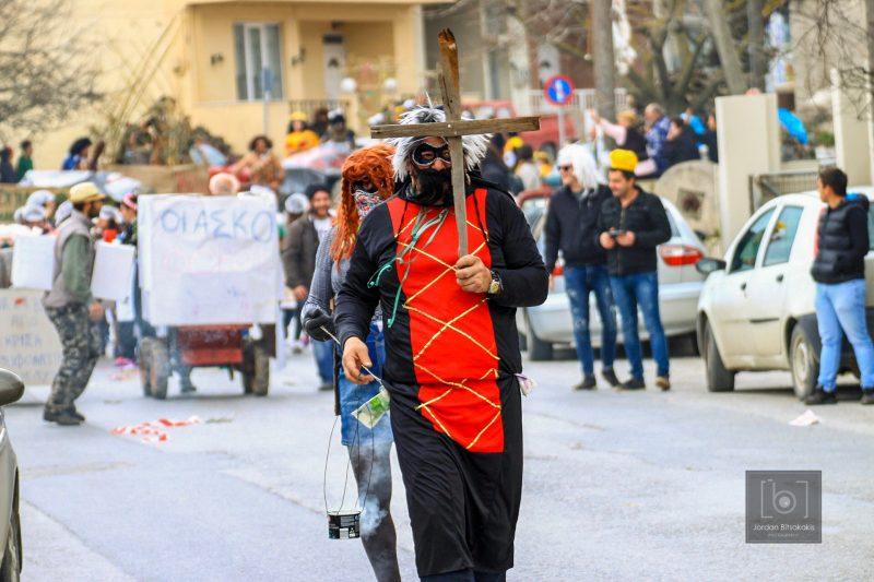 Κέφι και χορός στο Αγιοβαρβαρίτικο Καρναβάλι