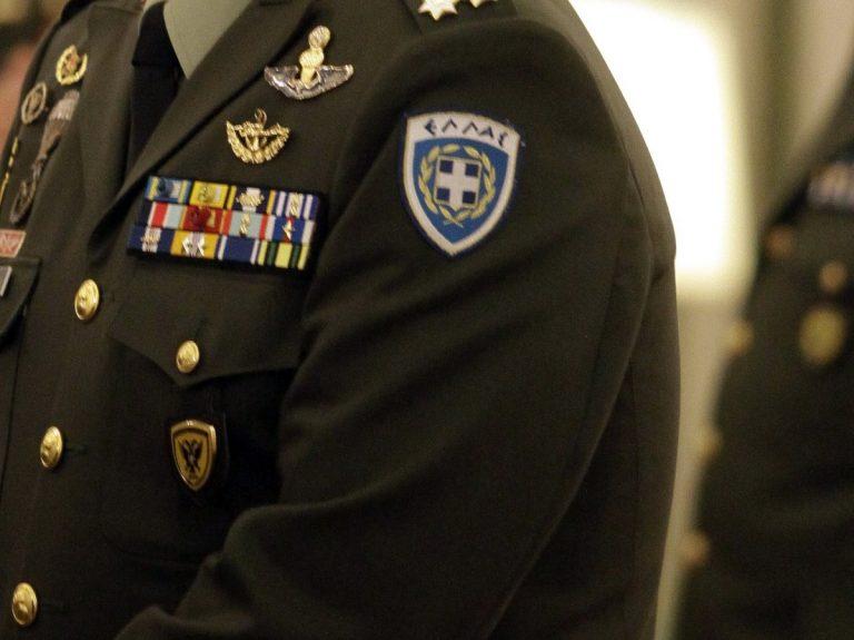 στρατιωτικός