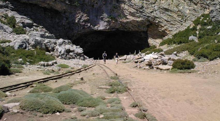 Το Ιδαίον Άνδρον. το σπήλαιο που λέει η μυθολογία μας πως γεννήθηκε ο Δίας
