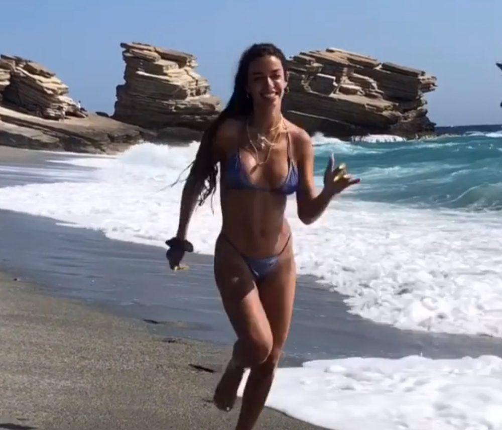 Η Ελένη Φουρέιρα στην Κρήτη α λα Baywatch
