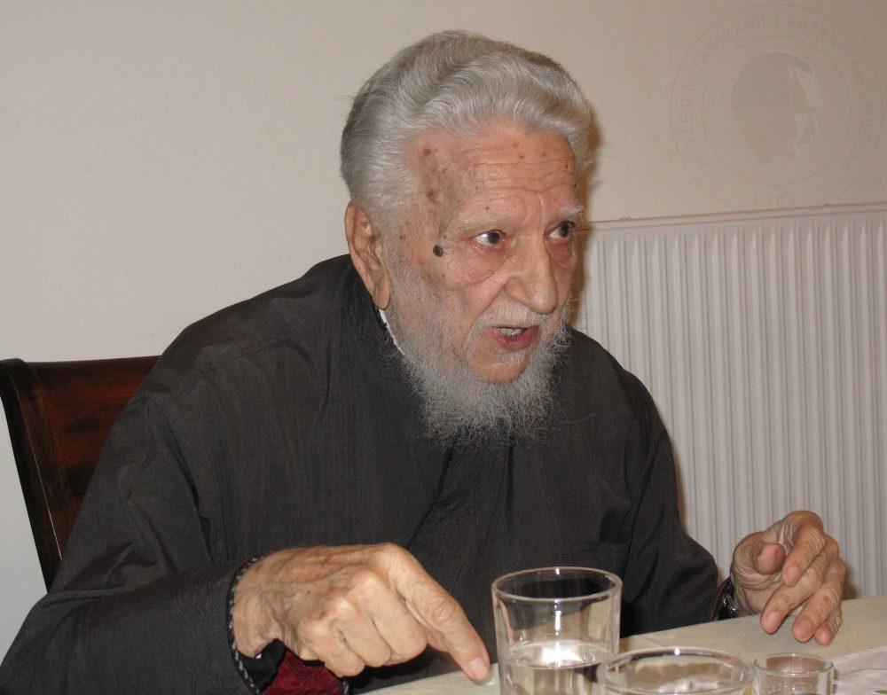 πατέρας Σταύρος Καρπαθιωτάκης