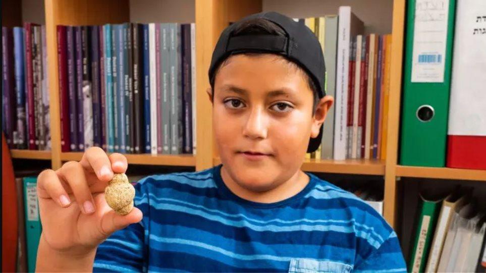 10χρονος στο Ισραήλ ανακάλυψε ειδώλιο 11.000 ετών