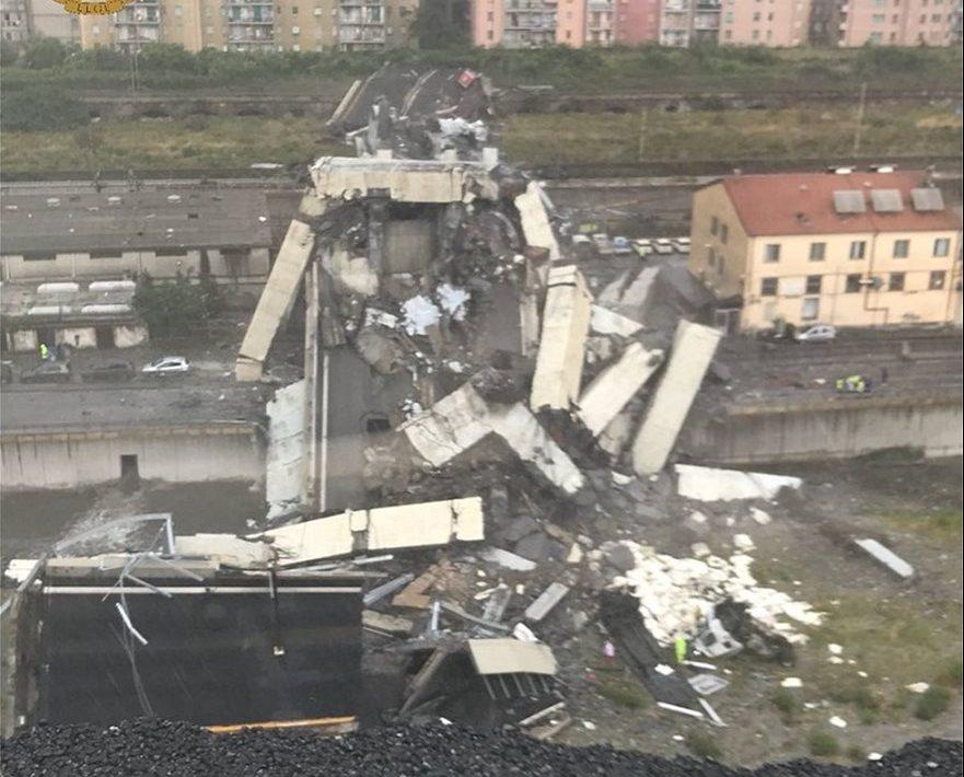 Στους 35 οι νεκροί από την κατάρρευση της γέφυρας στη Γένοβα