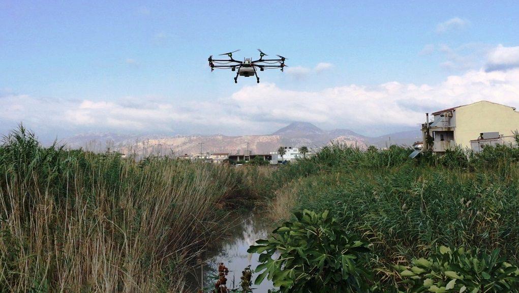 Ψεκάζουν στο Ηράκλειο τα κουνούπια με drone!