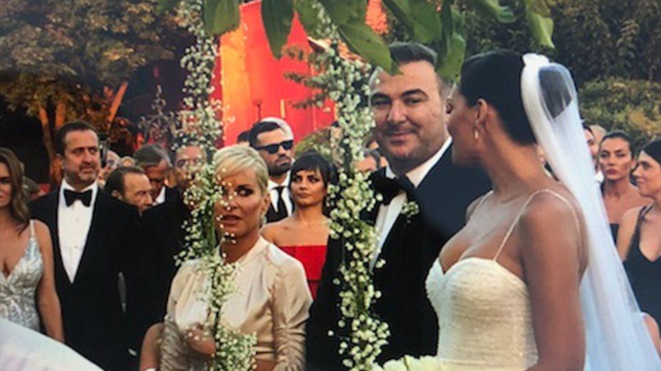 Ρέμος – Μπόσνιακ: Δείτε φωτογραφίες από το γάμο της χρονιάς