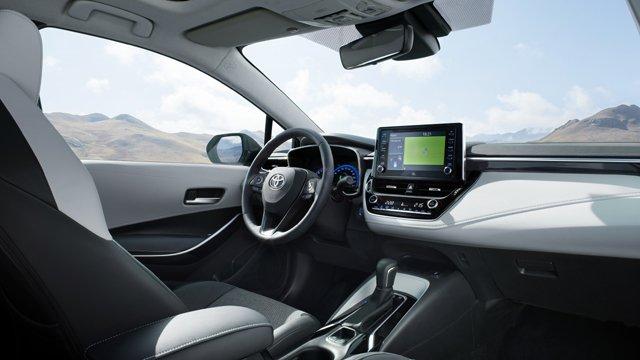 Corolla-Touring-Sports-2