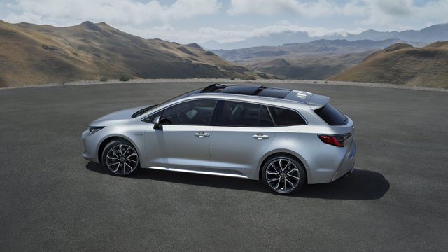 Corolla-Touring-Sports-3