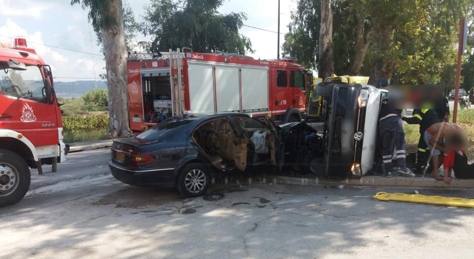 Ταξί συγκρούστηκε με κλουβάκι στα Χανιά!