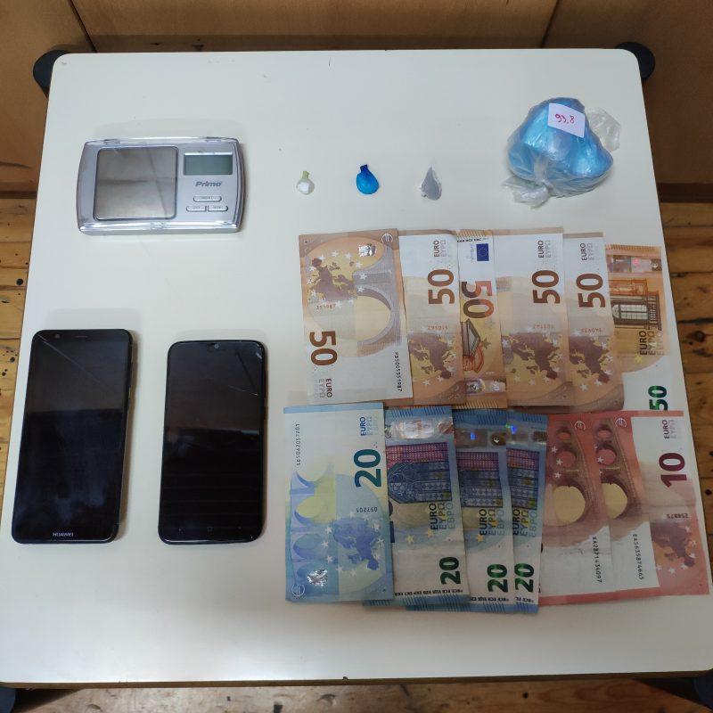 Συνελήφθη δύο 22χρονοι στο Ρέθυμνο με κοκαΐνη